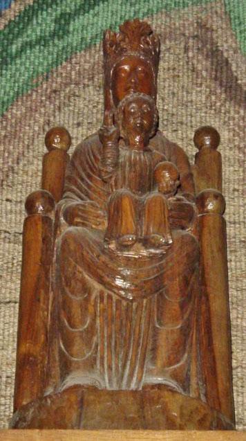 Resultado de imagen para Nuestra Señora de la Clandestinidad de Chartres