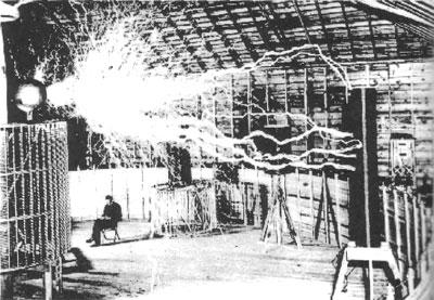 Tesla at his Colorado Springs laboratory, 1899.