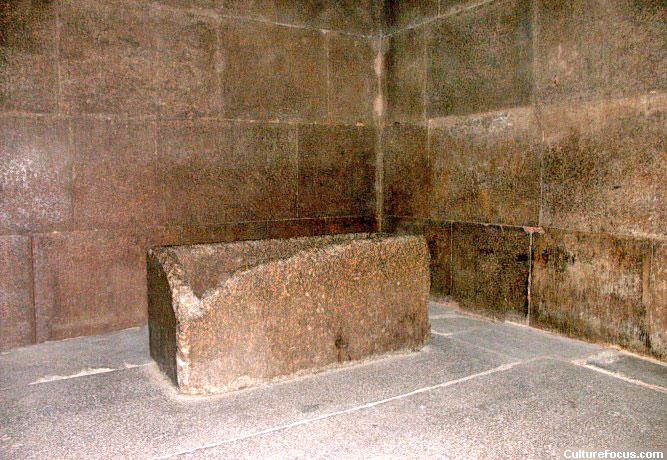 sarcophagus01.jpg