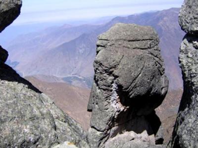 marcahuasi04 05 small - Marcahuasi…Supervivientes del Diluvio en los Andes?