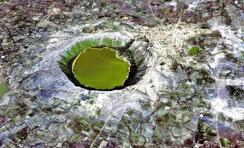 La Ciencia Ha Sido La Fuente de Nuestro Retroceso, y No Progreso.-http://www.bibliotecapleyades.net/imagenes_ciencia/conscious_universe69_01_small.jpg