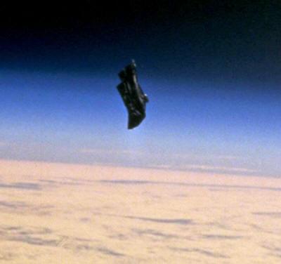 http://www.bibliotecapleyades.net/imagenes_ciencia/flyingobjects140_03_small.jpg