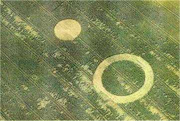 Crop circles and their message 54 geometric and nongeometrically downed crop in the same field publicscrutiny Choice Image