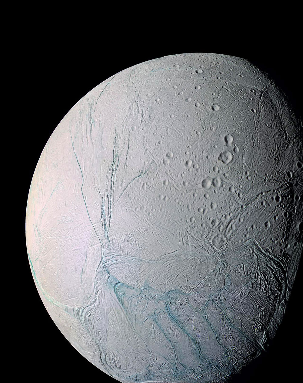 Aliens on Enceladus: Microbes Thrive in Environment Similar to Saturn's Icy Moon