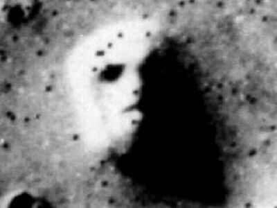 Человеческое лицо на Марсе.