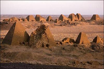 coppens_pyramids02_01.jpg