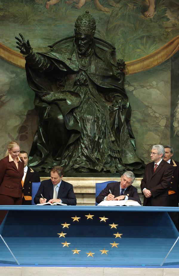 www.bibliotecapleyades.net/imagenes_vaticano/vatican37_79.jpg