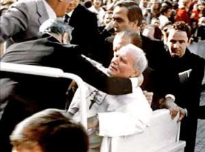 Sesión de control al Gobierno - Página 2 Vatican49_04_small